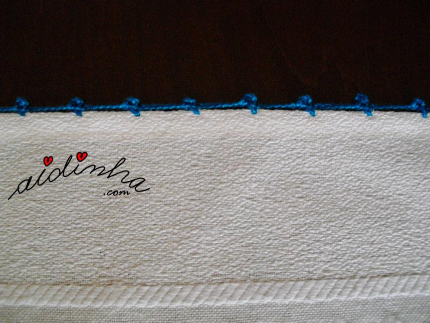 Remate dos lados do pano de cozinha, bordado e com crochet