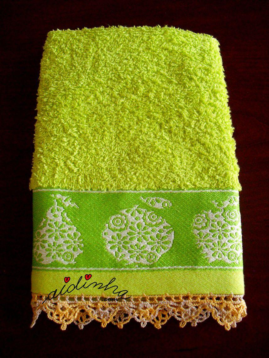 Outra foto do pano turco de cozinha verde, com crochet