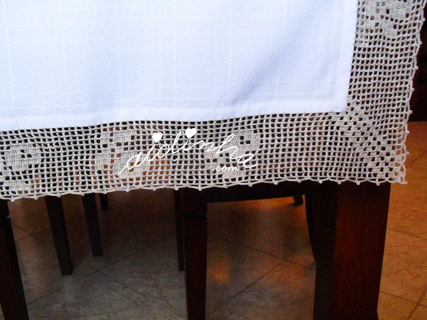 Pormenor do crochet e do canto da toalha de mesa anti-nódoas