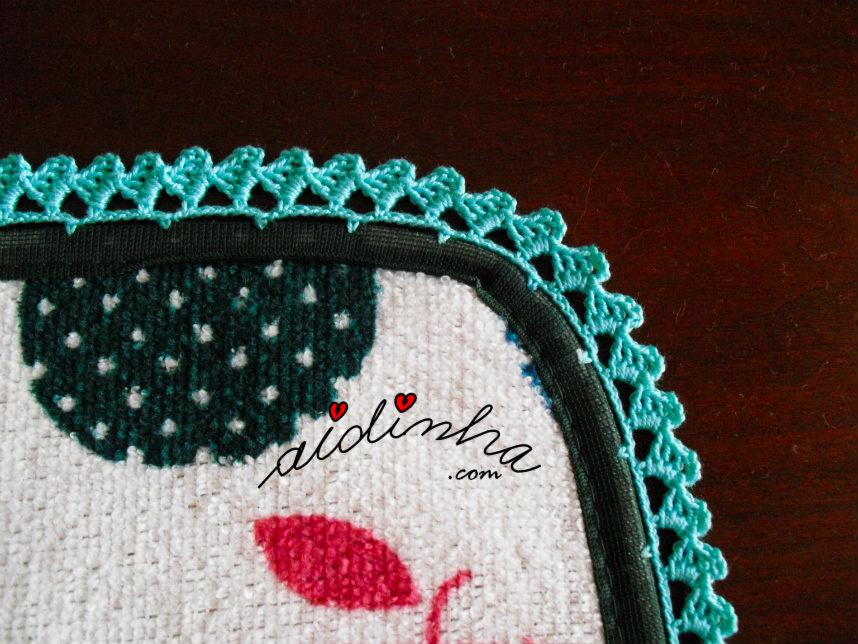 Pormenor do crochet do pano turco de cozinha com crochet e desenho de maçãs