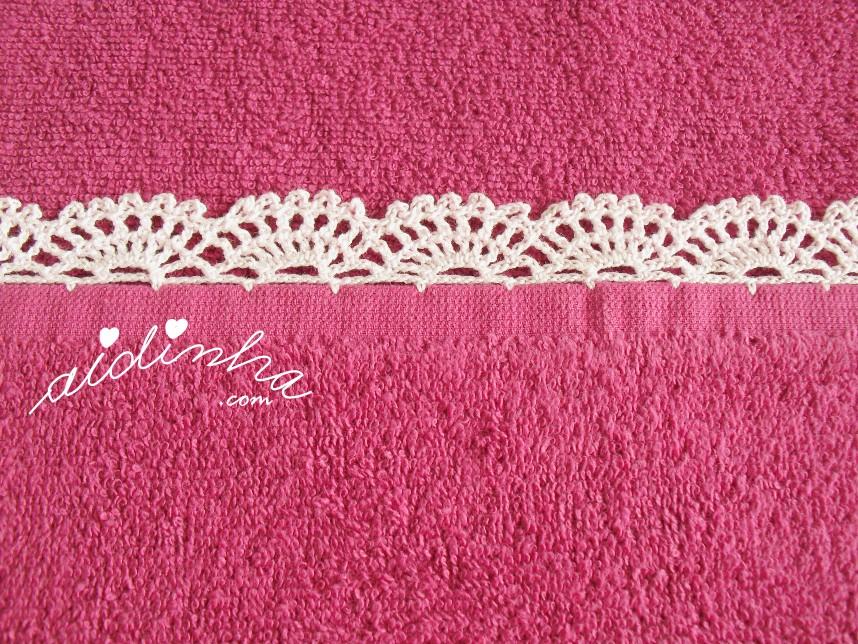 pormenor do picô de crochet do pano turco fuscia