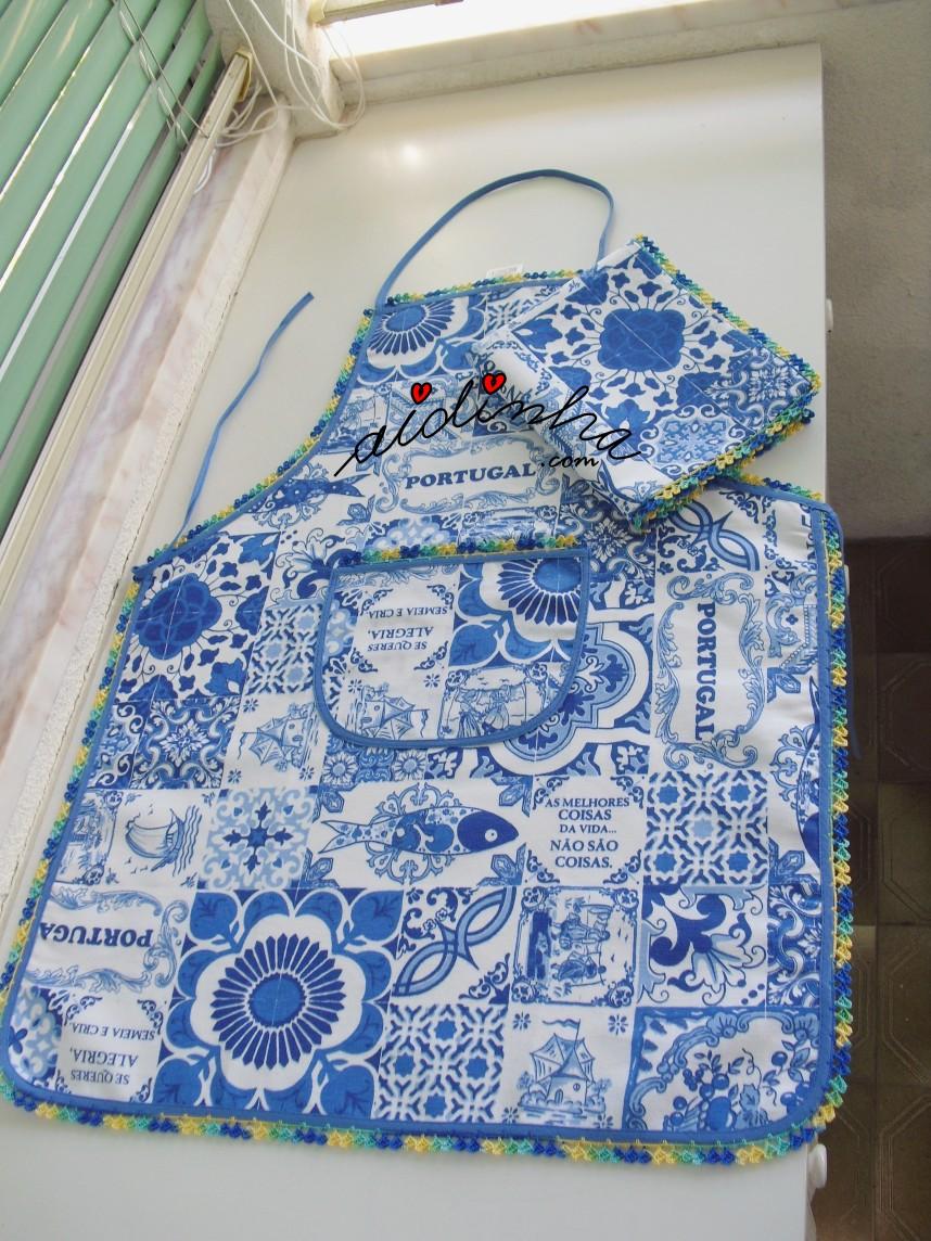 conjunto de avental e pano de cozinha, com crochet