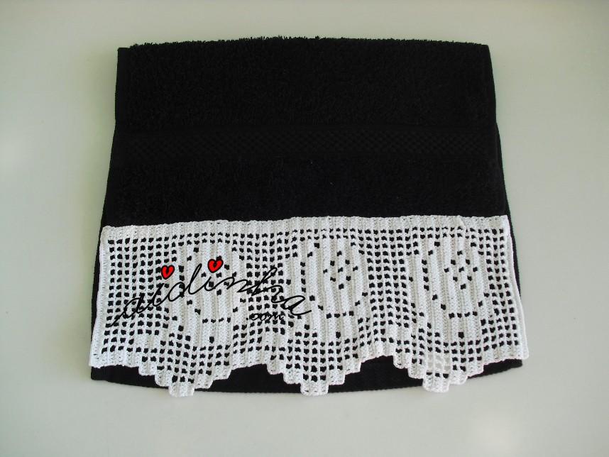 toalha de rosto, preta com barra de crochet