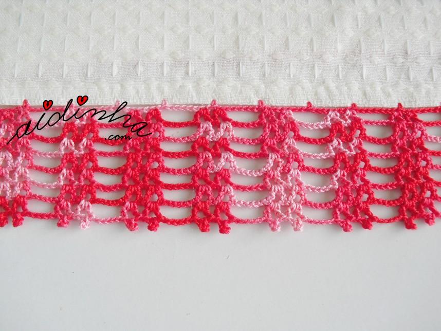 foto do crochet vermelho matizado do conjunto de panos de cozinha