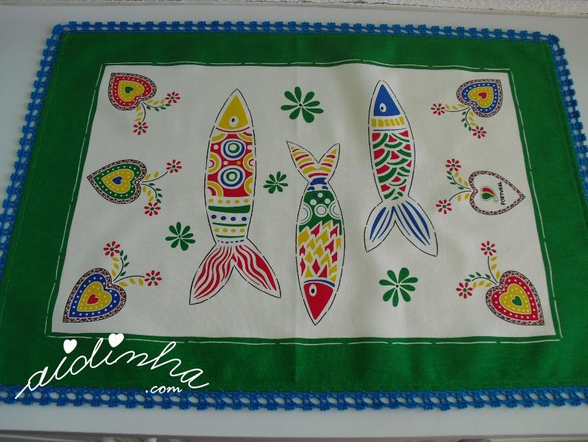 pano verde do conjunto de panos de cozinha com sardinhas e crochet