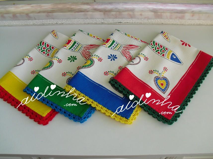 conjunto de panos de cozinha, com crochet e sardinhas