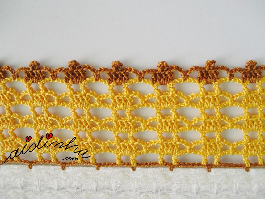 crochet do conjunto de panos de cozinha com crochet amarelo e castanho
