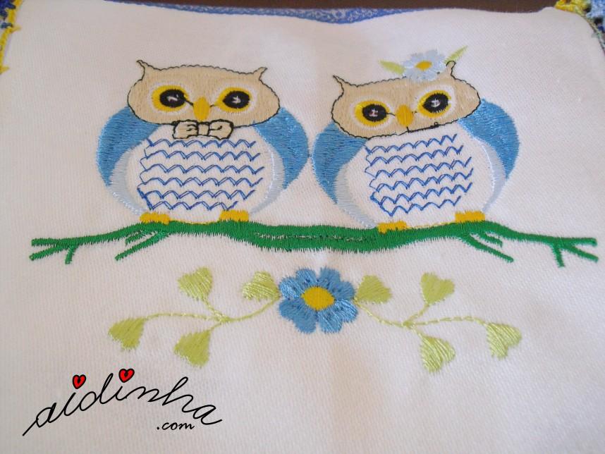 bordado das caixas de guardanapos com crochet