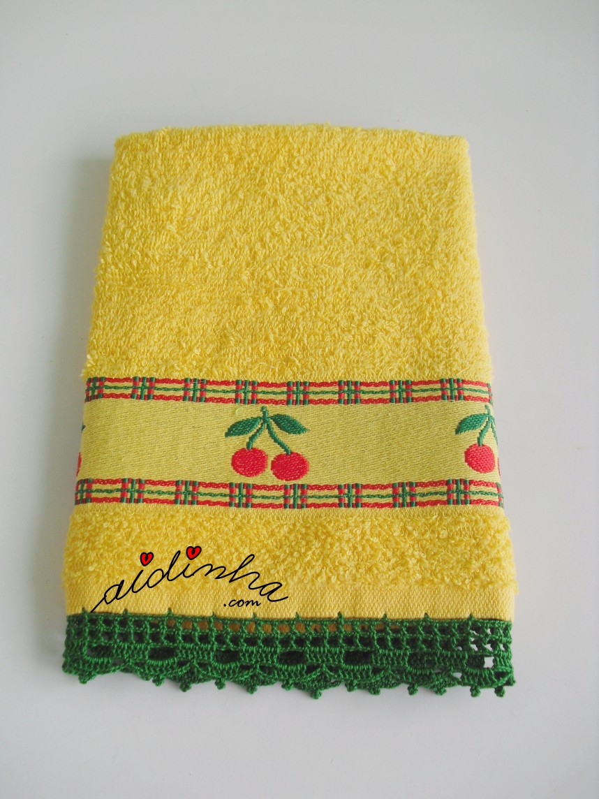 pano amarelo com crochet