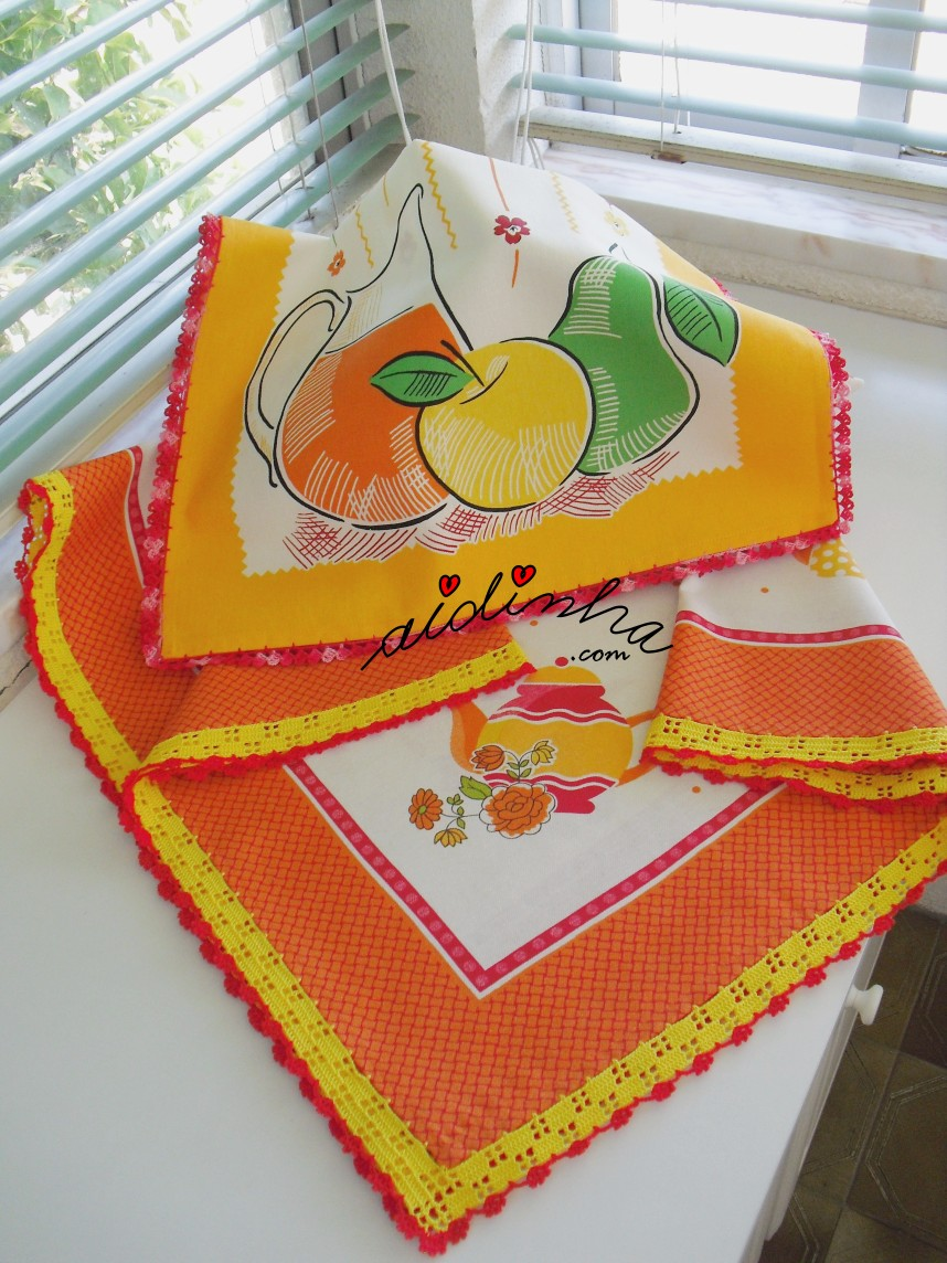 conjunto de toalha de mesa e pano de cozinha com crochet