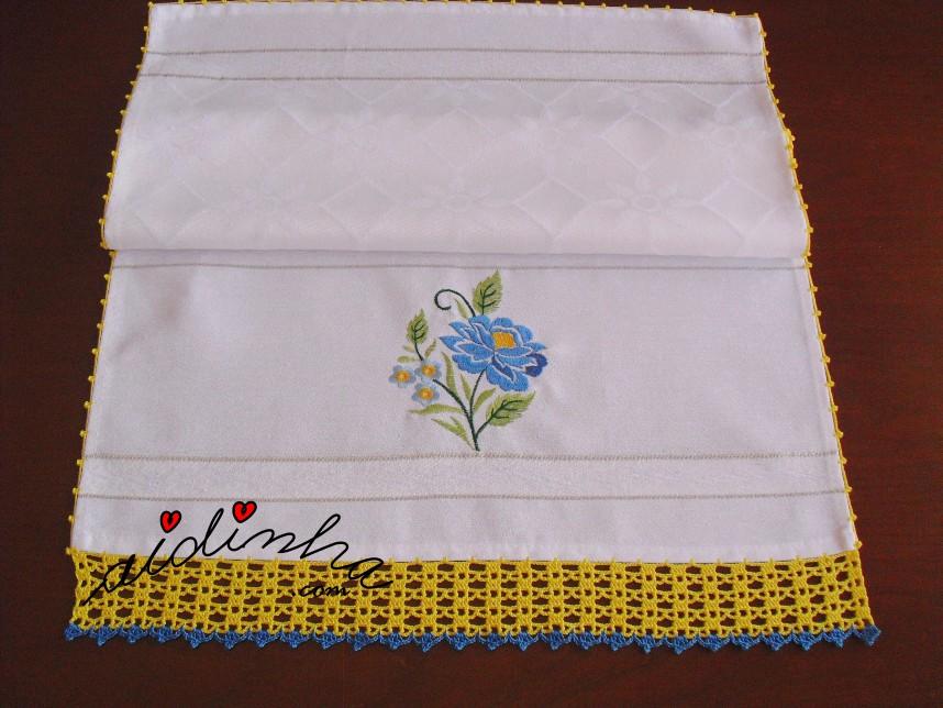 pano da louça, bordado e com crochet em amarelo