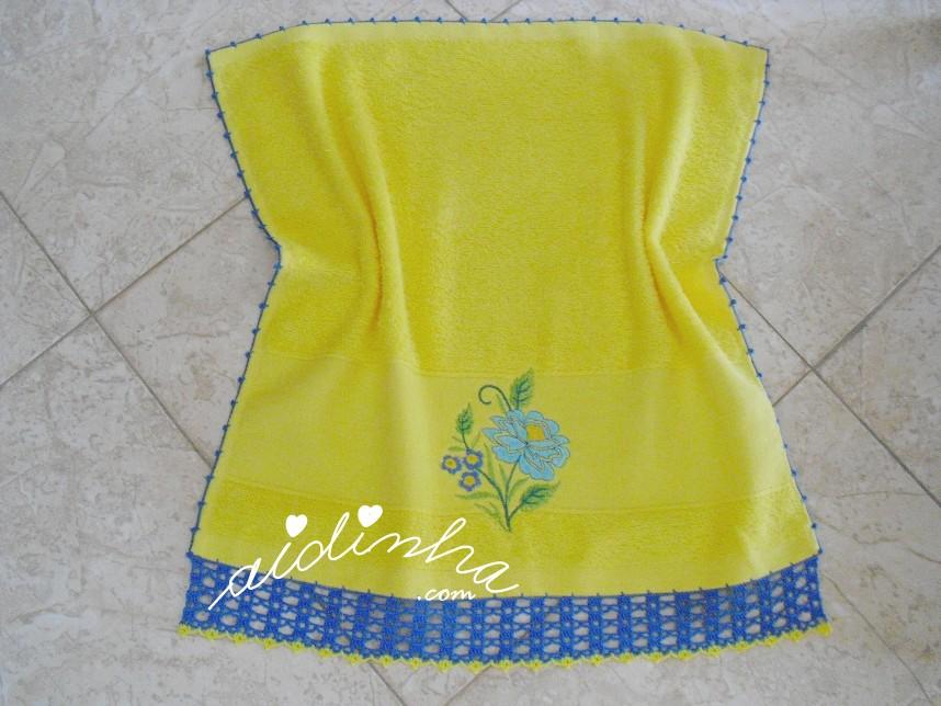 pano turco do conjunto, com crochet azul