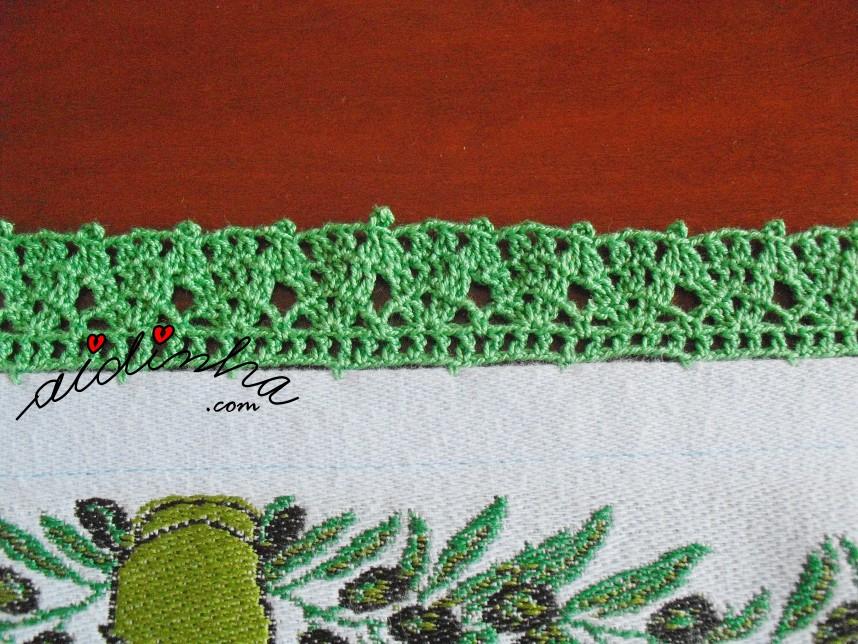 crochet do pano de cozinha azul claro, com azeitonas