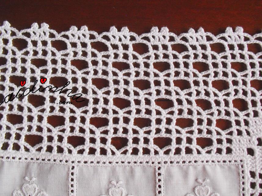 crochet do pano para o cestinho do pão, em cambraia bordada
